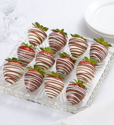 Berrylicious® Chocolate-Covered Strawberries – 12 Count