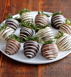 Berrylicious Double-Dipped Chocolate-Covered Strawberries - 12 pieces
