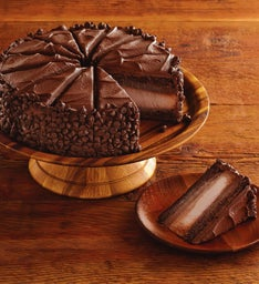The Cheesecake Factory® HERSHEY'S® Chocolate Bar Cheesecake - Restaurant Size
