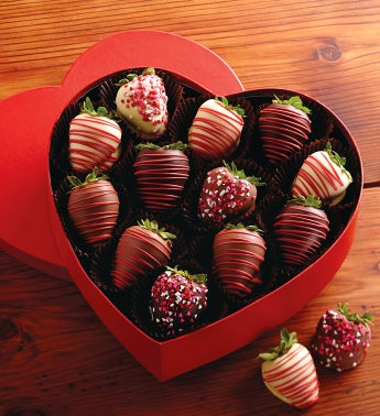 Valentine's Day Chocolate-Covered Strawberries Gift Box
