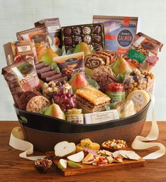 Online gift baskets fruit and food gifts wine clubs harry david deluxe hearthside gift basket negle Choice Image