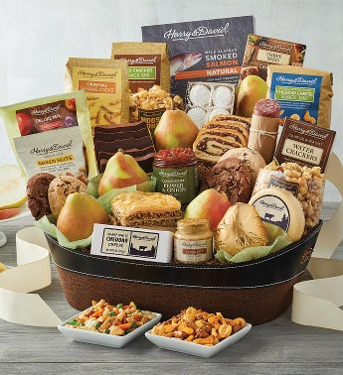 Summer Deluxe Hearthside Gift Basket
